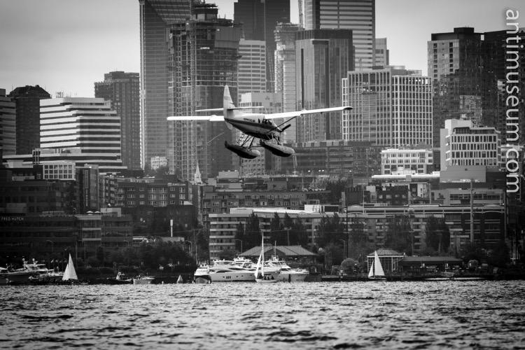 Seaplane landing Seattle
