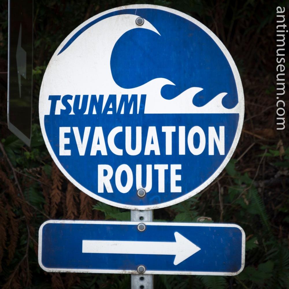 DANGER-tsunami-sign